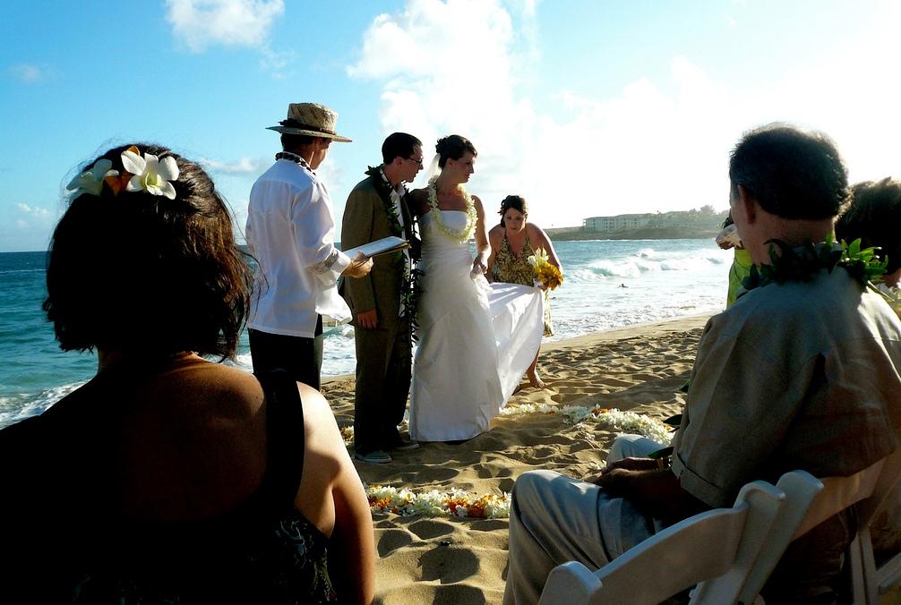 Beach-Marriage-Ceremony