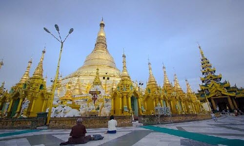 Yangon is the largest city in Myanmar and it offers amazing beautiful things such as Buddhist temples, pagodas and stupas.