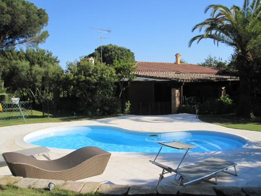 Villa ginestra, by the beach with swimming pool and every comfort