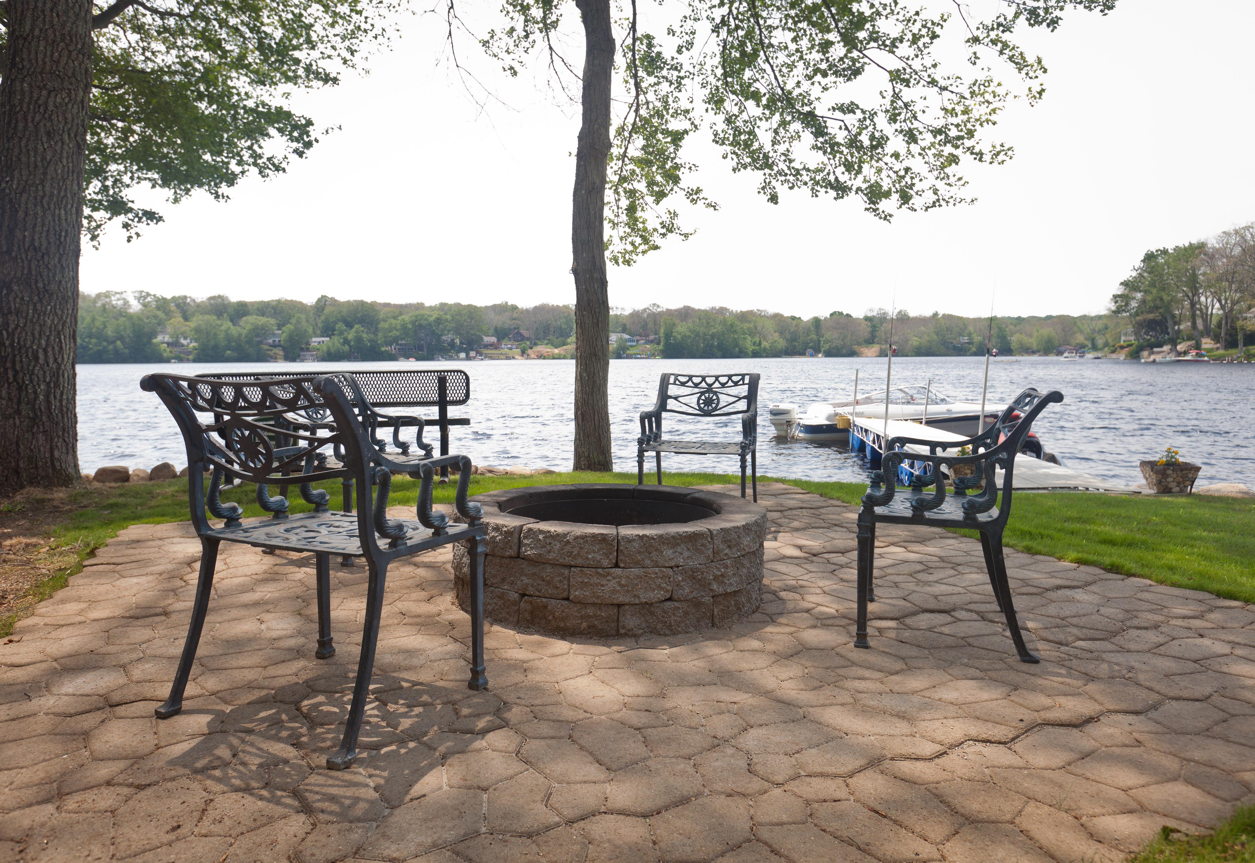Lakeside on Oxoboxo Lake