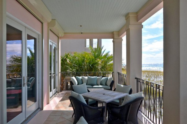 Deluxe destin beach home, sleeps 12, you deserve the best. specials year-round