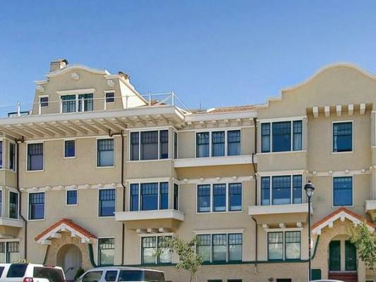 Prestigious sf vacation apartment