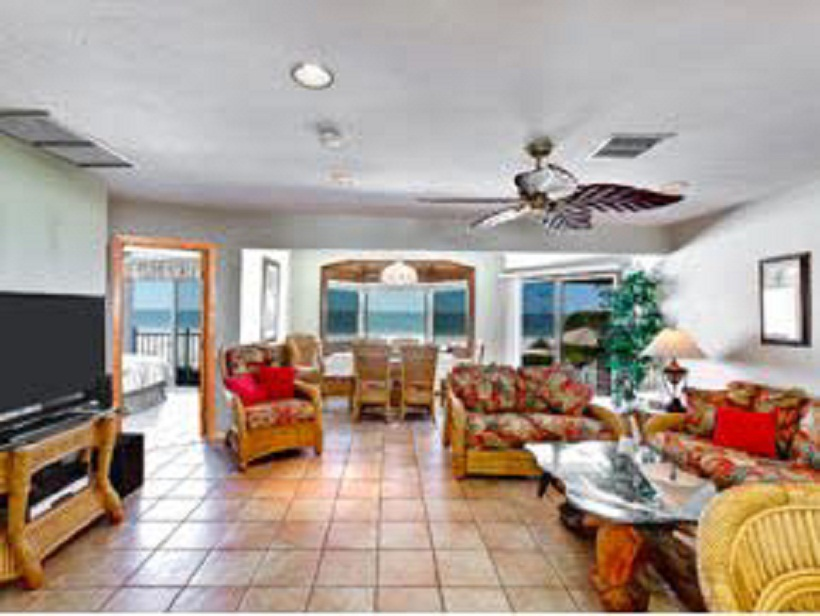 Elegant 4 BD Directly on the BeachHome with private pool($1200per week)