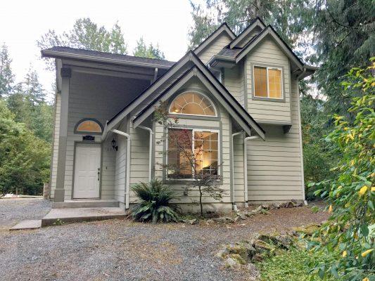Mt. baker lodging - snowline cabin #62sl - hot tub - wifi - fireplace - pets ok