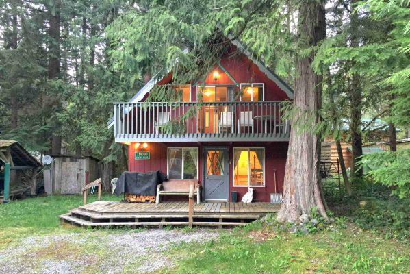 Mt. baker lodging - mt. baker rim cabin #63mbr - hot tub - bbq - pets ok - wifi - sleeps 6