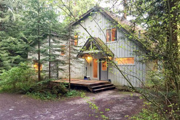 Mt. baker lodging - mt. baker rim cabin #19mbr - hot tub - sauna - bbq - pets ok - wifi - sleeps 10