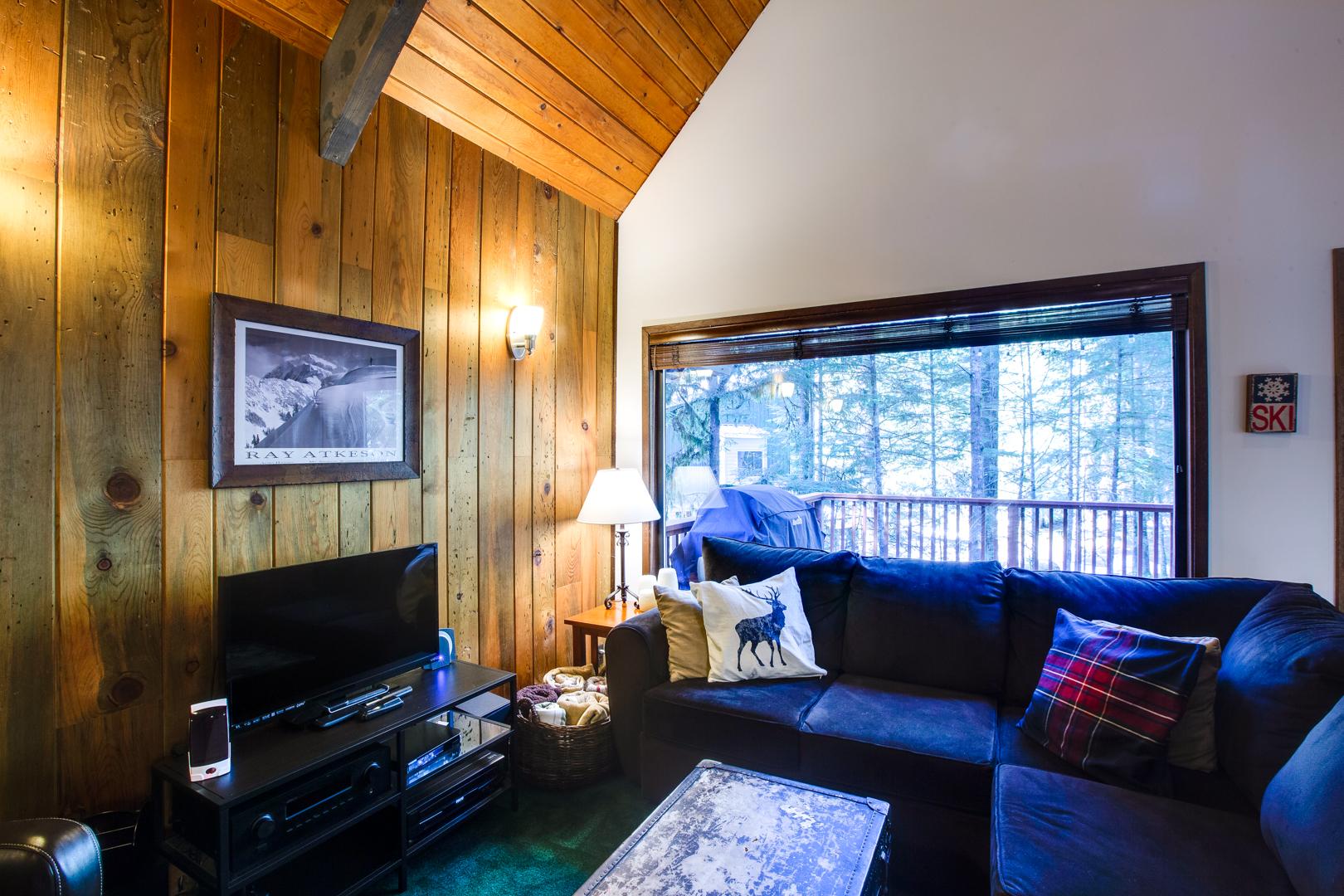 Mt. Baker Lodging – Snowline Cabin #98SL – Hot Tub – BBQ – Pets Ok – Wi-Fi – Sleeps 6