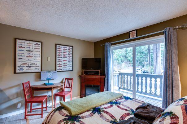 Mt. baker lodging - snowline lodge condo #37sll - economical - convenient - kitchenette - sleeps 2