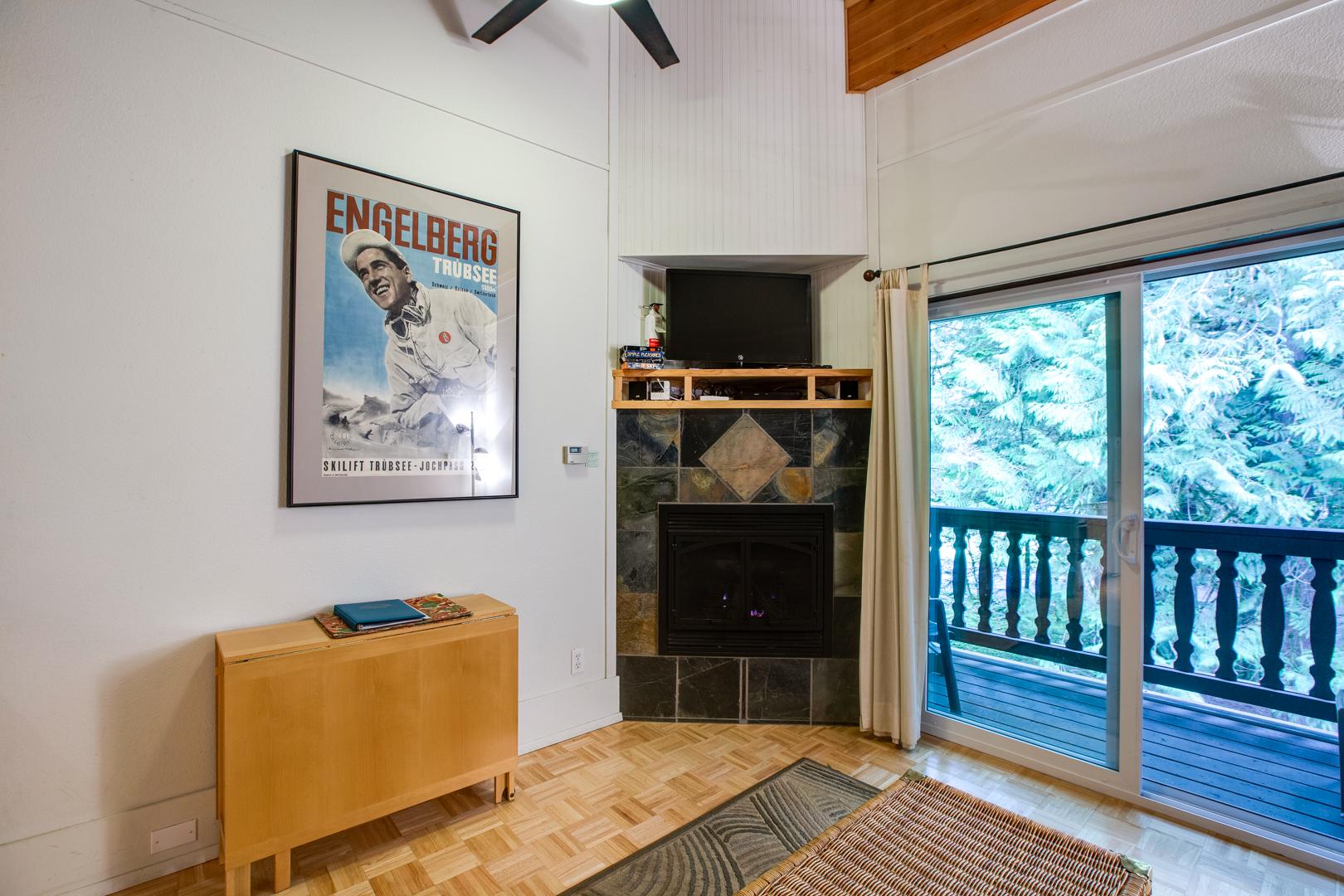 Mt. Baker Lodging – Snowline Lodge Condo #94SLL – Inexpensive – Fireplace – Wi-Fi – Sleeps 6