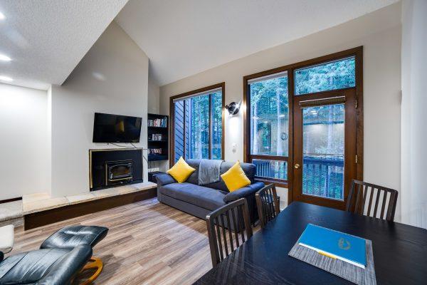 Mt. baker lodging - snowater condo #68sw - fireplace - washer/dryer - dishwasher- sleeps 4